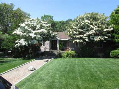 Bellport Single Family Home For Sale: 65 Head Of The Neck Rd