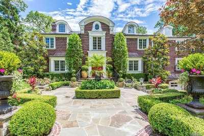 Manhasset Single Family Home For Sale: 36 Soundview Cres