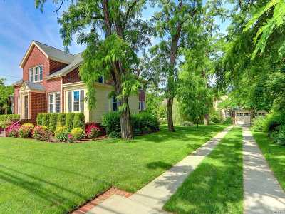 Malverne Single Family Home For Sale: 205 Hempstead Ave