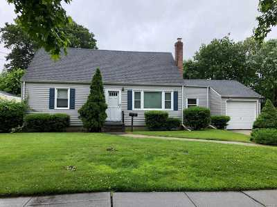 Amityville Single Family Home For Sale: 155 Oldfield Ave