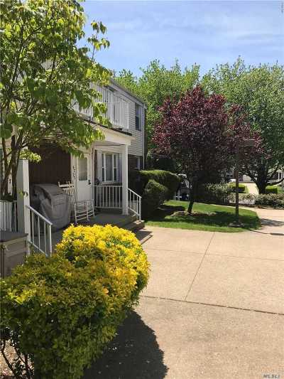 Bayside Condo/Townhouse For Sale: 67-15 Cloverdale Blvd