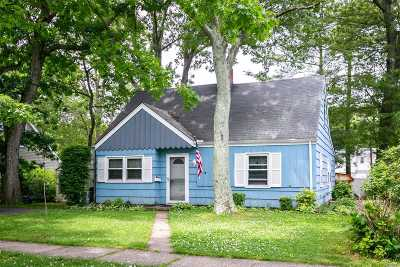 Nassau County Single Family Home For Sale: 388 Seaford Ave