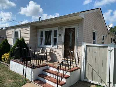 Copiague Single Family Home For Sale: 11 24th St