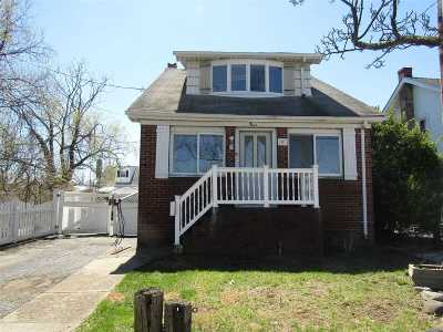 Freeport Single Family Home For Sale: 9 Ray St
