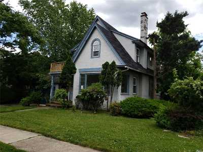 Nassau County Single Family Home For Sale: 8 McKenna Ave