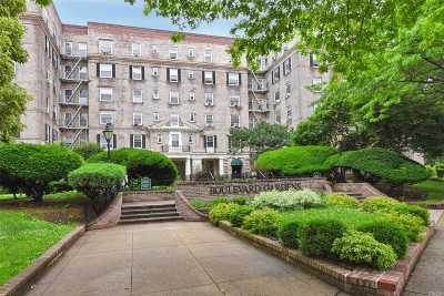 Brooklyn, Astoria, Bayside, Elmhurst, Flushing, Forest Hills, Fresh Meadows, Jackson Heights, Kew Gardens, Long Island City, Middle Village, Rego Park, Ridgewood, Sunnyside, Woodhaven, Woodside Co-op For Sale: 3081 54th St #5C