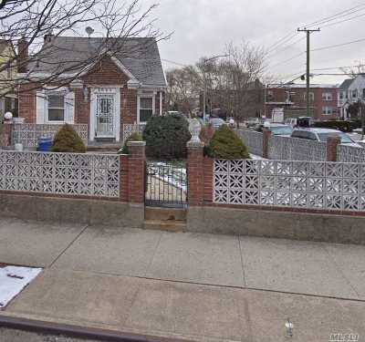 Flushing Single Family Home For Sale: 28-53 Utopia Parkway