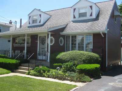 N. Bellmore Single Family Home For Sale: 1858 Beltagh Pl
