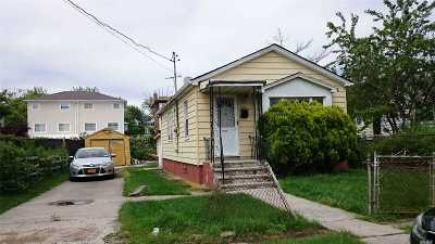 Single Family Home For Sale: 235-09 148th Rd