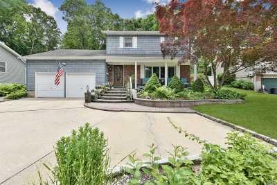Farmingdale Single Family Home For Sale: 120 Hillside Rd