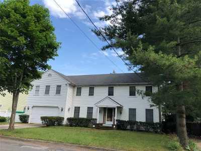 Lindenhurst Multi Family Home For Sale: 33 Macon