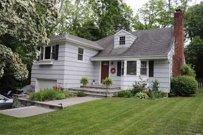 Locust Valley Single Family Home For Sale: 132 Pershing Ave