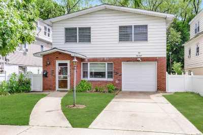 Port Washington Single Family Home For Sale: 58 Graywood Rd
