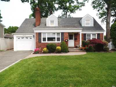 Nassau County Single Family Home For Sale: 3919 Franklin Ave