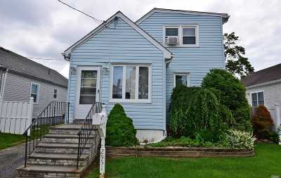 Nassau County Single Family Home For Sale: 2951 Mills St