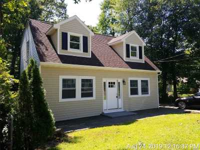 Farmingville Single Family Home For Sale: 36 Rosemont Ave