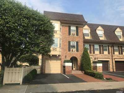 Bayside Condo/Townhouse For Sale: 207-25 Melissa Ct #210L