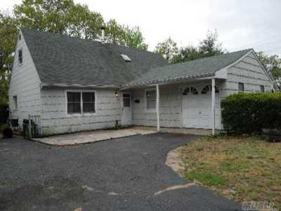 Queens County, Nassau County, Suffolk County Single Family Home For Sale: 10 Alden Ln