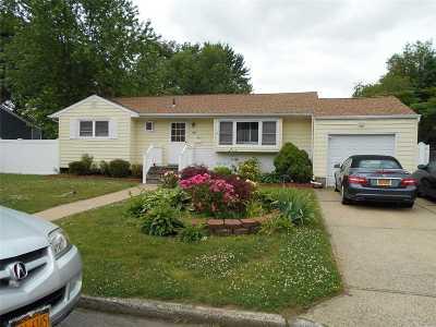 Brentwood Single Family Home For Sale: 180 Elliot St