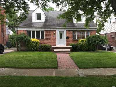 New Hyde Park Single Family Home For Sale: 1710 Park Ave