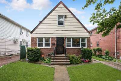 Fresh Meadows Multi Family Home For Sale: 158-20 73rd Ave