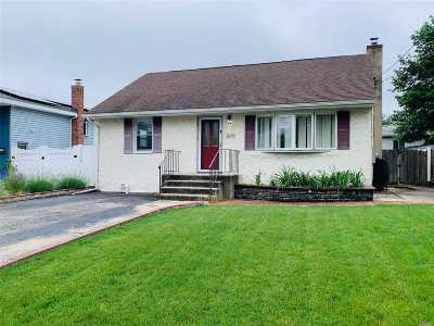 Copiague Single Family Home For Sale: 10 Bedford St