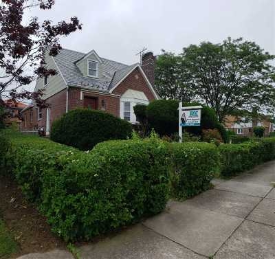 Fresh Meadows Single Family Home For Sale: 69-77 184 St