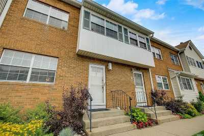 Valley Stream Condo/Townhouse For Sale: 98 S Franklin Ave #7