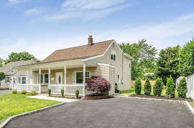 Levittown Single Family Home For Sale: 90 Spring Ln