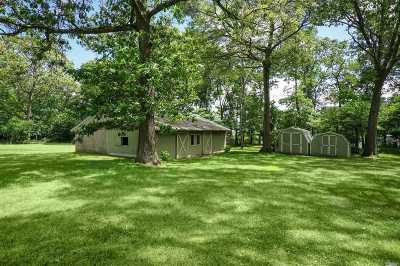 Smithtown Single Family Home For Sale: 327 Old Willets Path