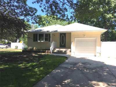 Mastic Single Family Home For Sale: 23 Meadowmere Ave