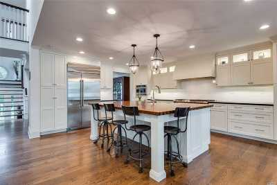 Northport Single Family Home For Sale: 94 Cove Rd