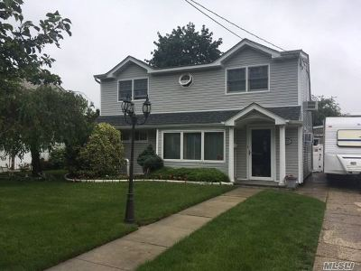 East Meadow Single Family Home For Sale: 2275 7th St
