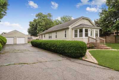 Huntington Sta Single Family Home For Sale: 220 4th Ave