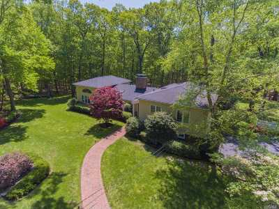 Lloyd Harbor Single Family Home For Sale: 8 Cordwainer Ln