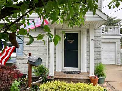 Lynbrook Single Family Home For Sale: 45 Hart St