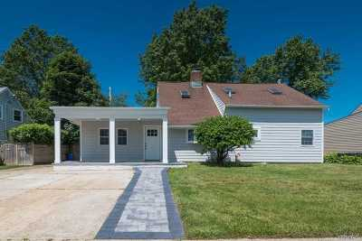 Levittown Single Family Home For Sale: 58 Coppersmith Rd