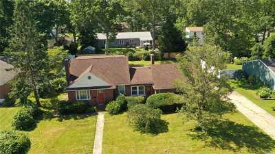 Patchogue Single Family Home For Sale: 48 John St