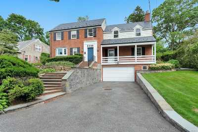 Manhasset Single Family Home For Sale: 92 Remington Rd