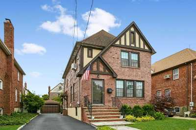 Lynbrook Single Family Home For Sale: 92 Westminster Rd