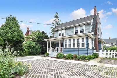 Rockville Centre Single Family Home For Sale: 55 Hempstead Ave