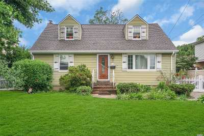 W. Hempstead Single Family Home For Sale: 605 Jennings Ave