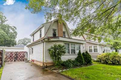Rockville Centre Single Family Home For Sale: 1349 Langdon Blvd