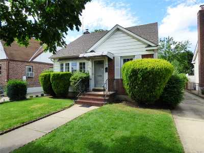 Valley Stream Single Family Home For Sale: 41 Ethel St