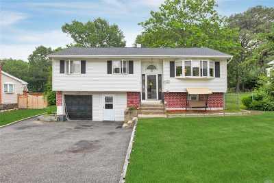 Smithtown Single Family Home For Sale: 103 Plymouth Blvd