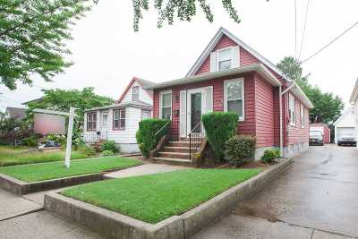 Floral Park Single Family Home For Sale: 8526 263rd St