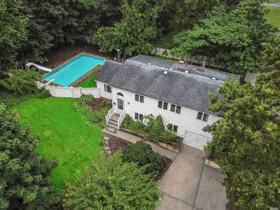 S. Setauket Single Family Home For Sale: 290 Arrowhead Ln