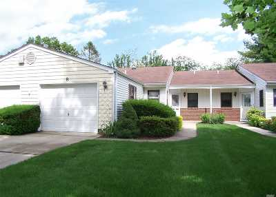 Stony Brook Condo/Townhouse For Sale: 8 Knolls Dr