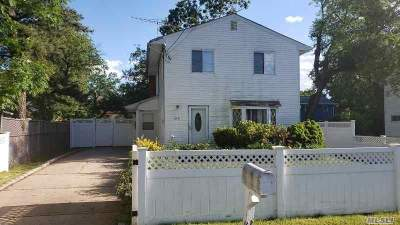 Copiague Single Family Home For Sale: 270 44th St