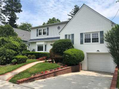 Woodmere Single Family Home For Sale: 566 Donald Ln